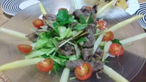 牛肉とみつば、ごぼうのサラダ