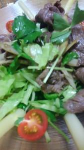 牛肉と三つ葉、ごぼうのサラダ②